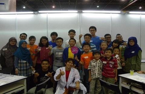 DNA & Hovercraft workshop @ KLESF was a full house!